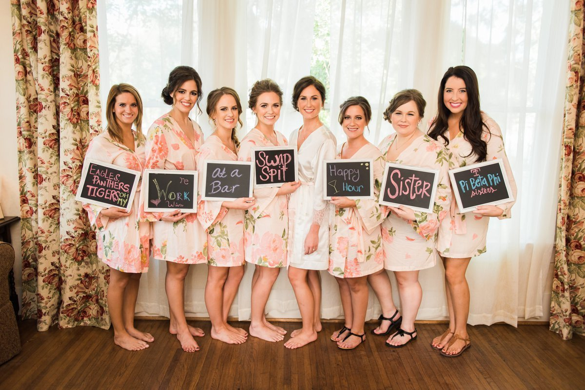 Chic Butlers Courtyard Wedding and Bridesmaid Photo Ideas
